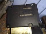 Volvo  Abs-ohjainlaite 8619538
