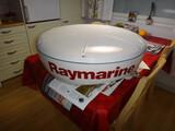 """Raymarine tutka 12"""" näytöllä"""