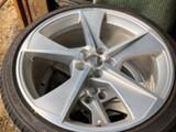 Audi SQ7 OEM 4M0601025M