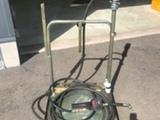 Meganex Öljytynnyrikärry pumpulla