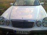 W210 E 200 CDI Konepelti