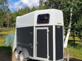 Humbaur Single, 1,5 hevosen traileri