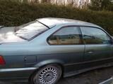 BMW E36 ovet, takapuskuri, valot