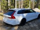 Kuraläpät Volvo V90