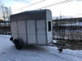 traileri One horse