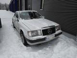 Mercedes benz  E 124 2.0D