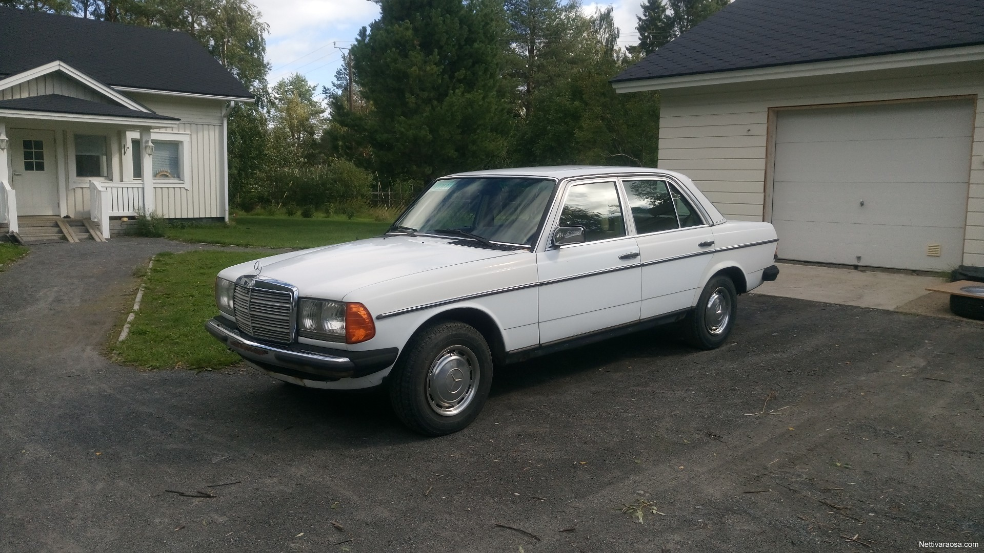 Nettivaraosa Mercedes Benz W123 300d Spare And Crash Cars