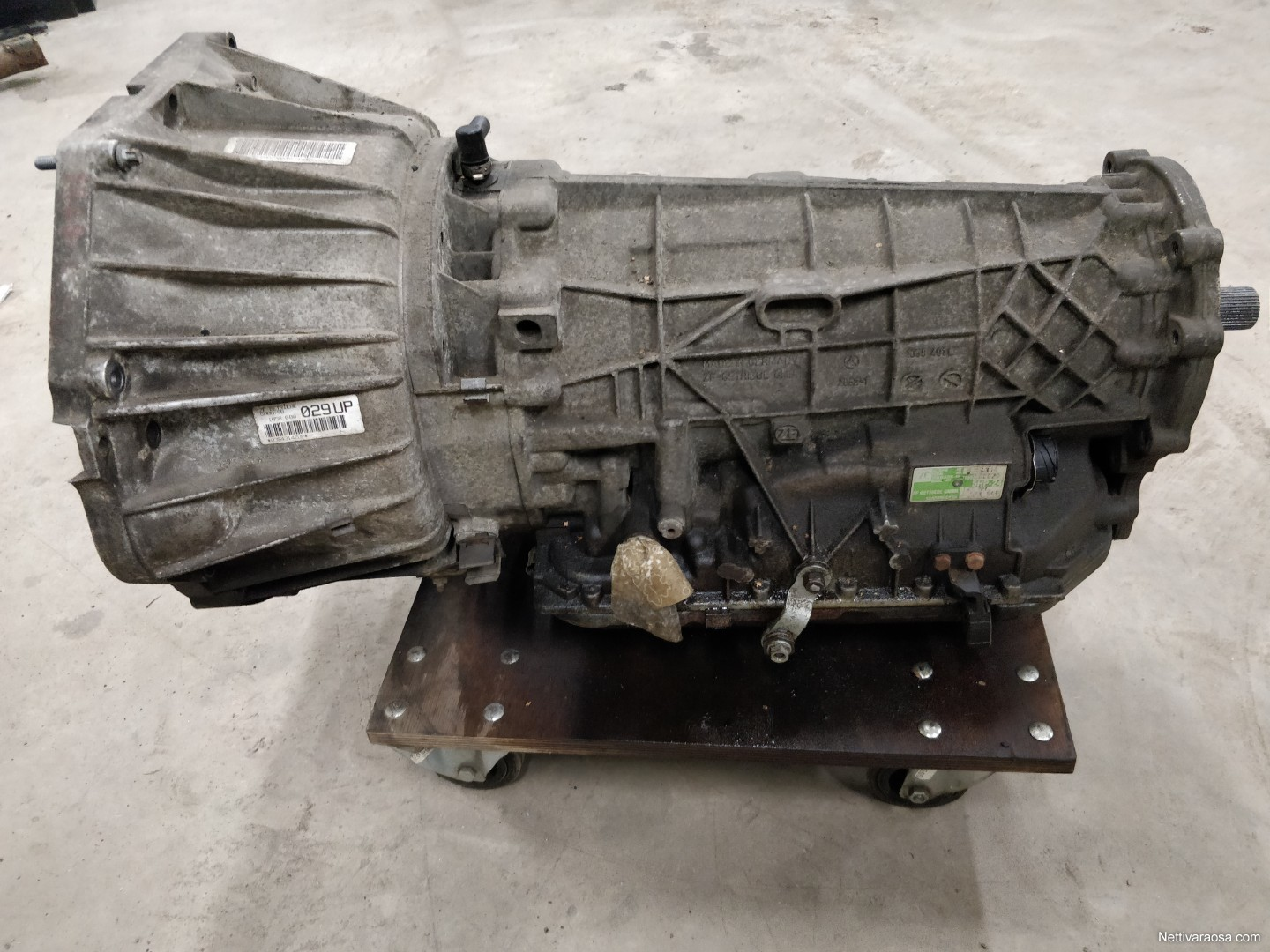 Nettivaraosa - BMW E53 x5 4 4l 2000 - ZF 5hp-24 - Car spare parts