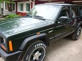 Jeep Cherokee Auto myydään osina
