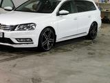 Avus Af6 Black polished