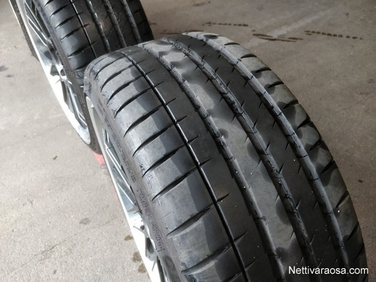 Michelin Pilot Sport >> Michelin Pilot Sport 4 S 255 30 Zr20 Sarja Ollut Vain Kuukauden Kaytossa Tyre Sets Nettivaraosa
